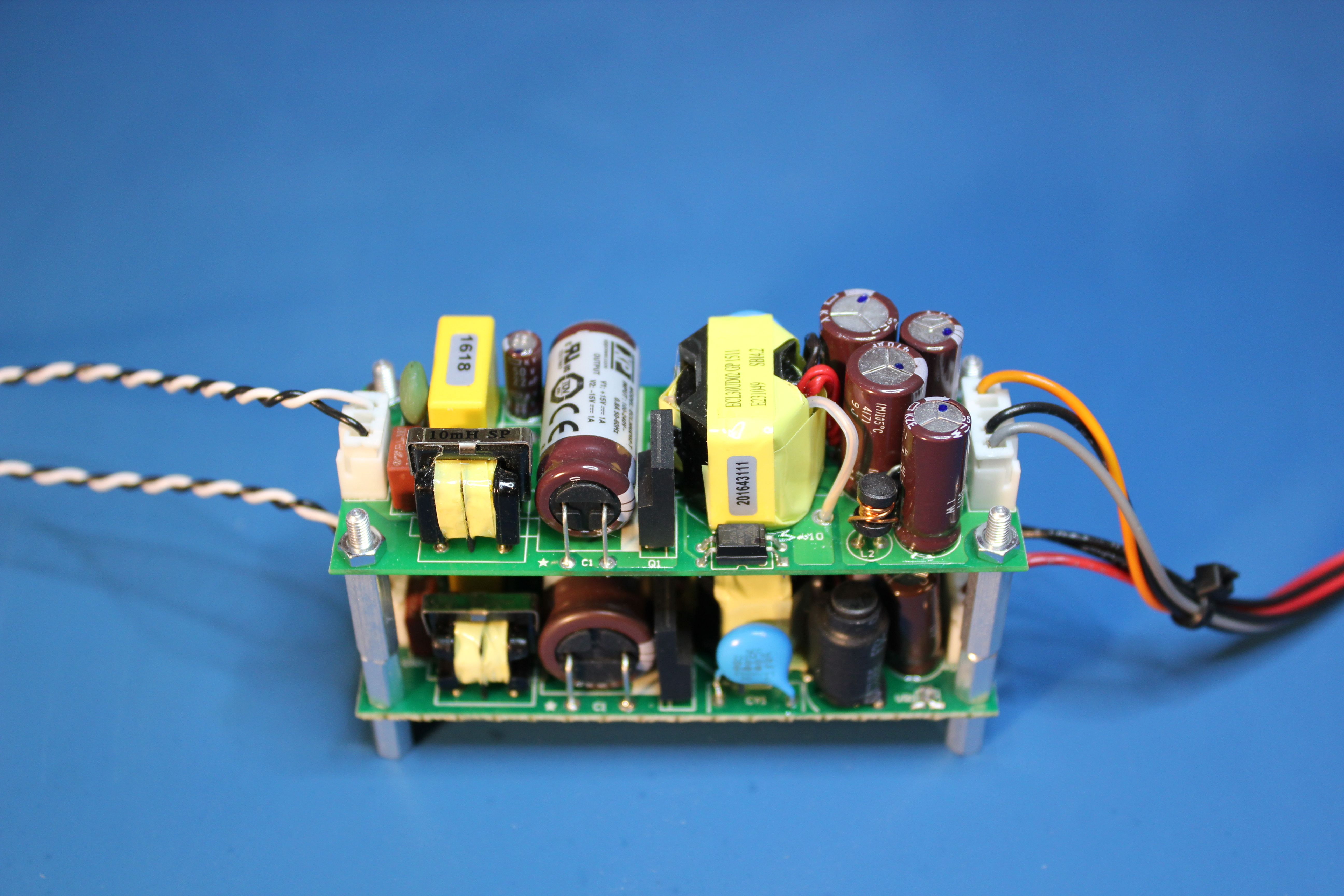 And Power Supply Each Power Supply Terminal Must Have A 1 F Tantalum